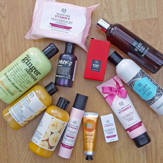 Christmas cruelty-free beauty haul ...think my mum went nuts in The Body Shop! :)