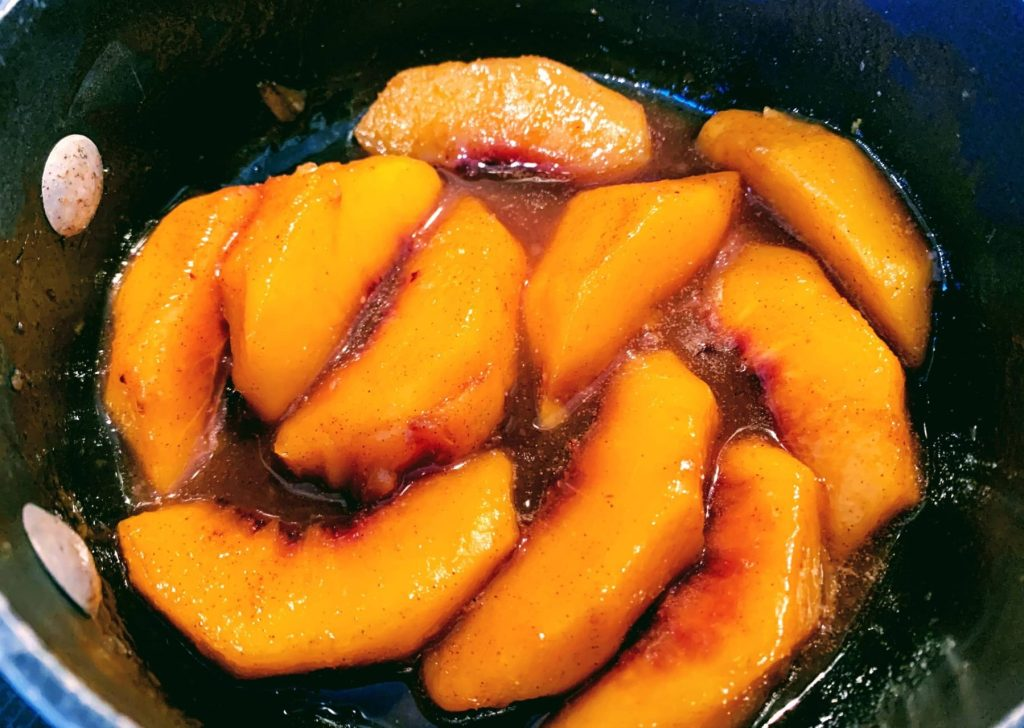 peach cobbler oats_cooked peaches