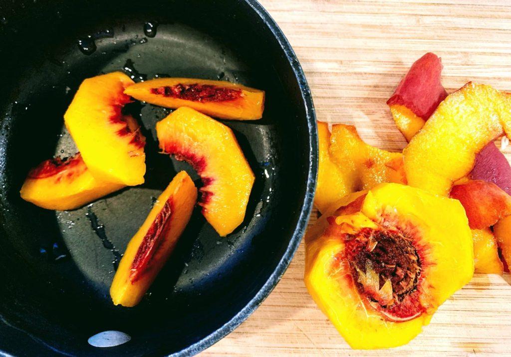 peach cobbler oats_pot view