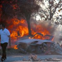 Broma Confirmada? ¿Es Paul Walker Sano y Salvo Después del fuego del coche?