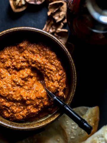 Muhammara - red pepper and walnut dip (vegan and gluten free).