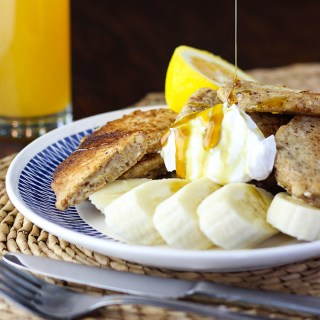 Apple and oat hotcakes.