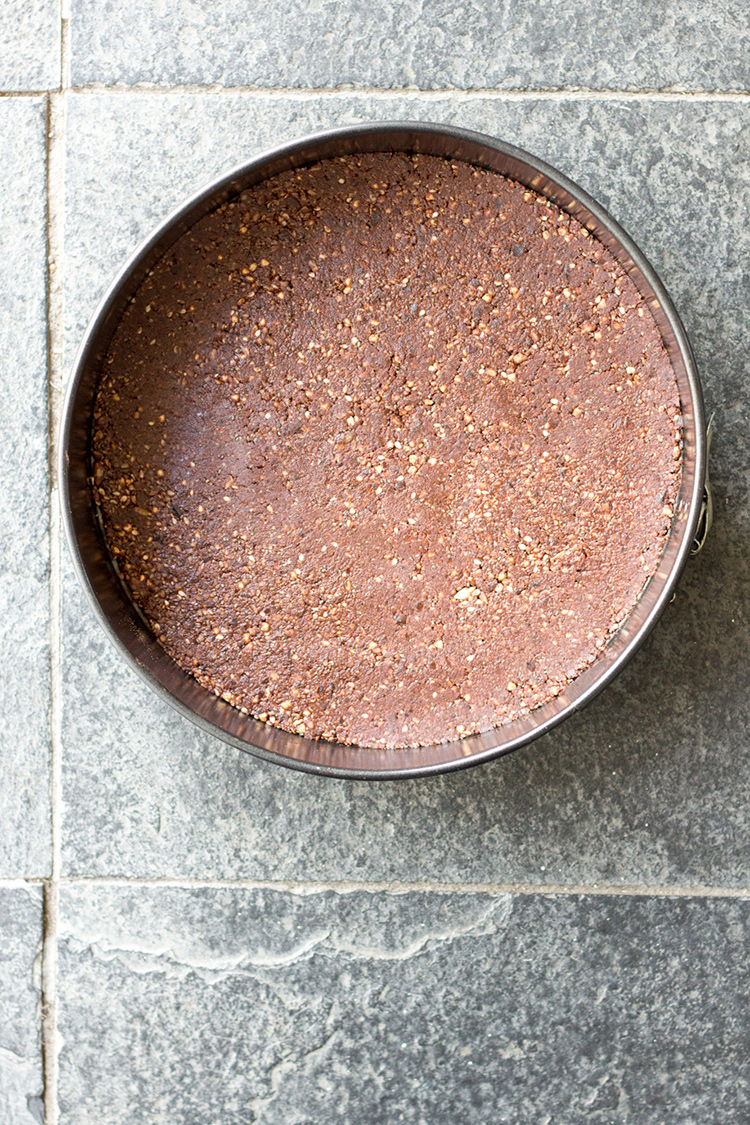 Nut-free, raw vegan cheesecake base.