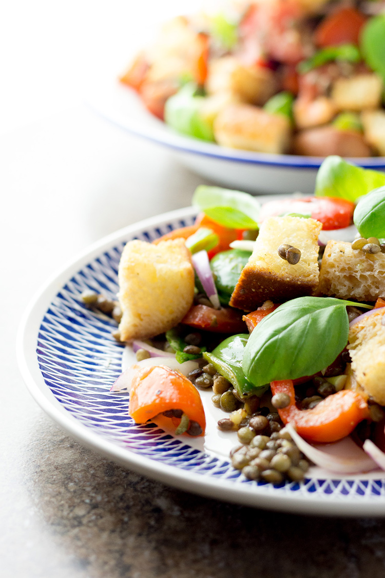 Red pepper and lentil panzanella salad.