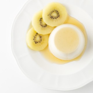 Ginger coconut panna cotta