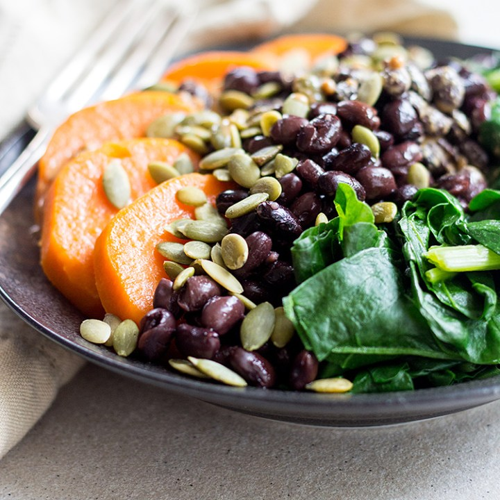 Black bean protein bowl (vegan and gluten free).
