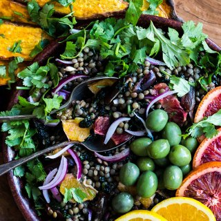 Lentil salad with orange, dates and kale