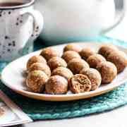 Hot cross bun bliss balls (vegan and gluten free).