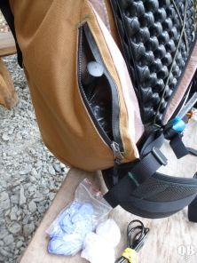 eingesetzte Tasche mit Werkzeug und Micropumpe