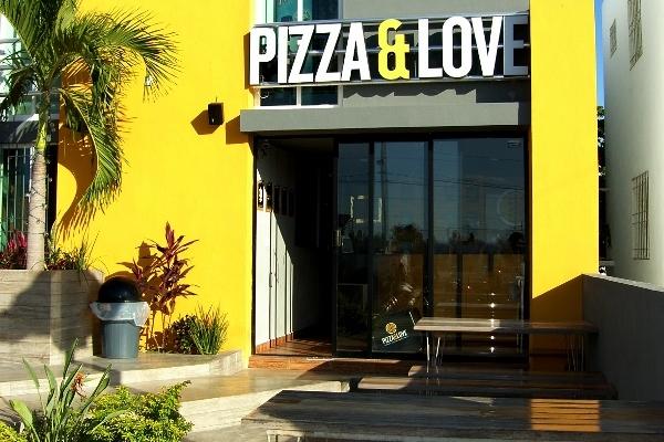 Enamórate de  Pizza & Love