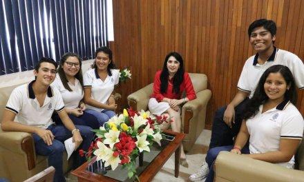 """Estudiantes UADY seleccionados en convocatoria internacional """"Jóvenes en Acción"""""""