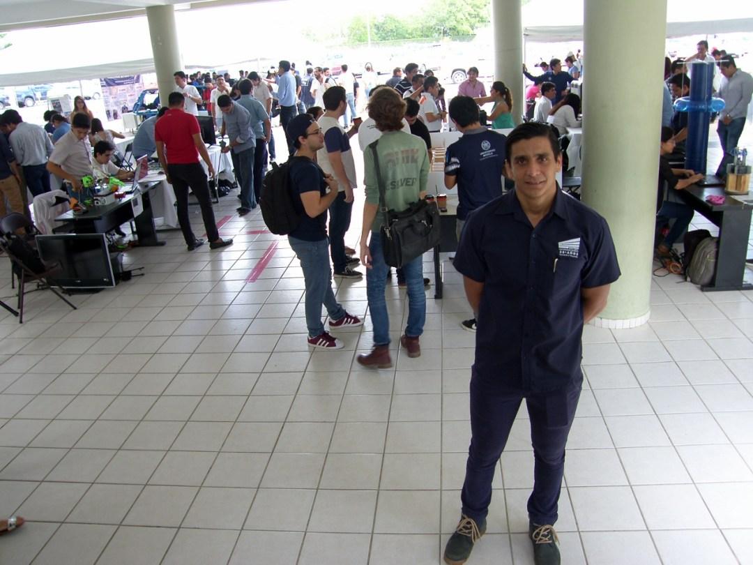 Carlos Sauri, director de la Escuela de Ingeniería.