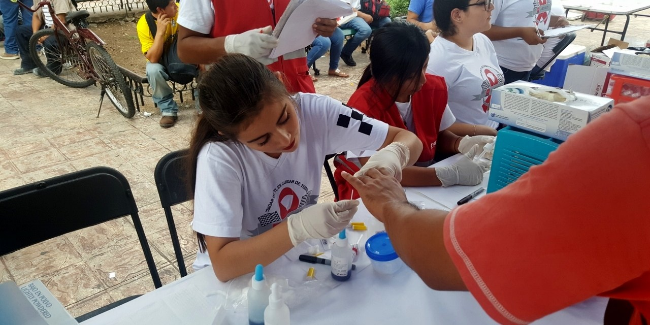 Estudiantes del voluntariado de la UADY realizan en el segundo Pruebatón