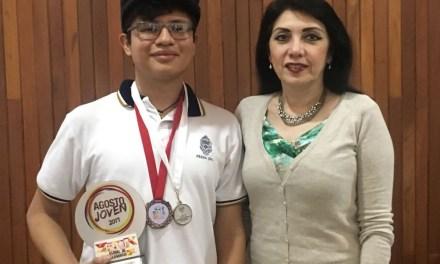 Dos jóvenes yucatecos son galardonados en olimpiada nacional de Física y Matemáticas