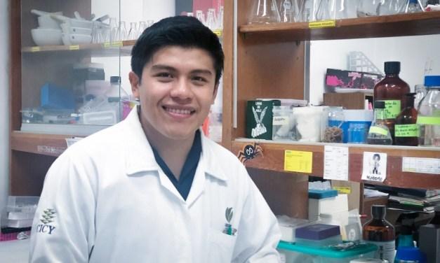Estudiante del CICY presenta su investigación en Canadá
