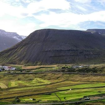 Between Isafjordur and Þingeyri