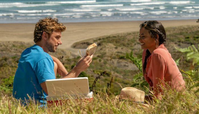 Filme popular na Netflix amor em obras