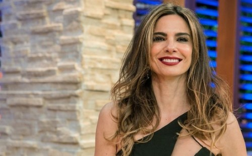 foto da apresentadora Luciana Gimenez