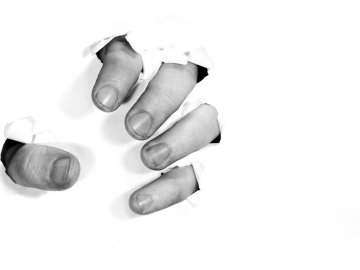 mãos simbolizando a com raiva