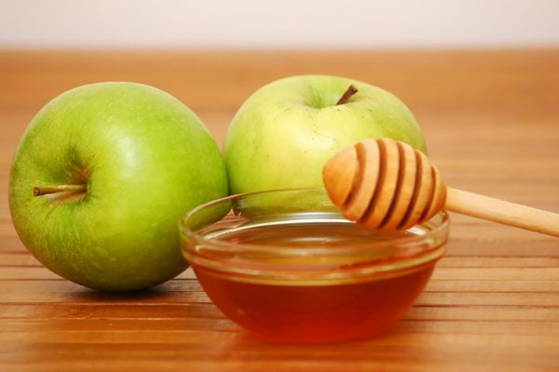 Apple, Honey and Mint Face Pack