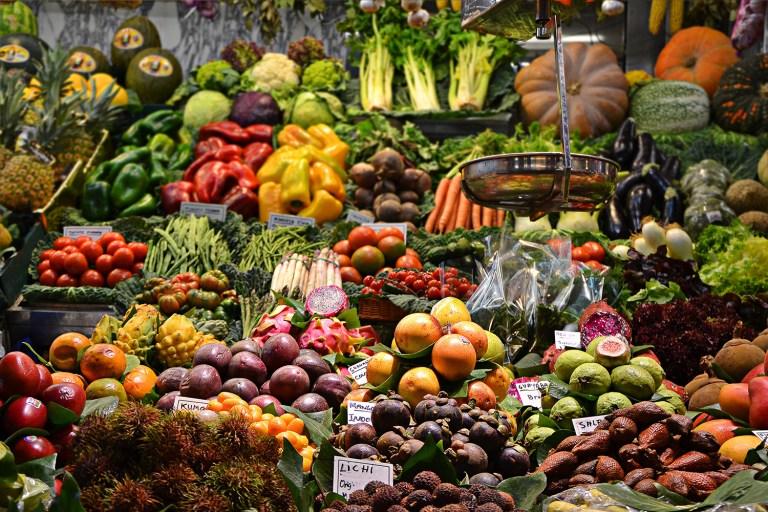 Rau củ quả đa dạng được bày bán ở chở