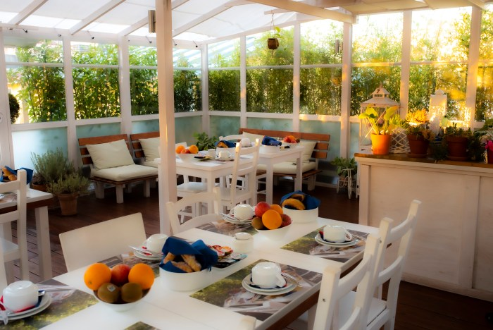Morning rays of sun in the terrace of Quodlibet bed and breakfast in Rome