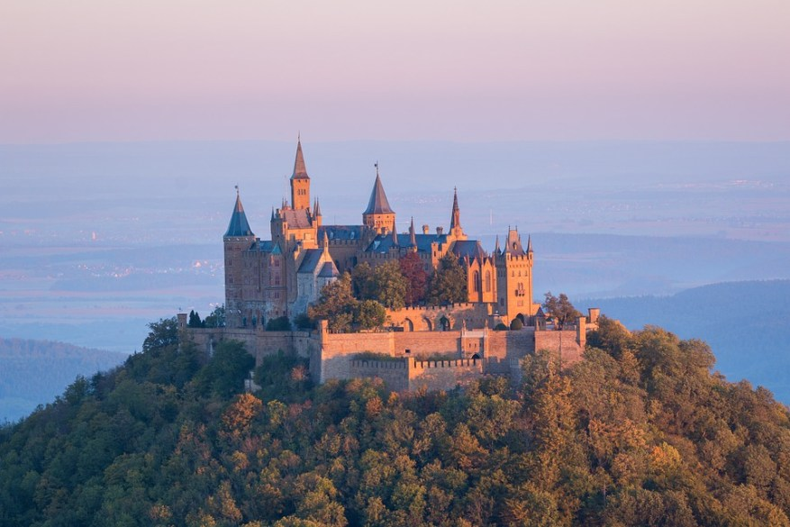 castle-973157_960_720.jpg