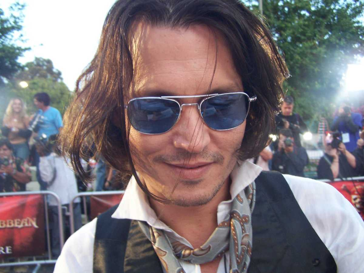 """Johnny Depp Once Assured Hunter S. Thompson He Was Beating Kate Moss Enough: """"She Gets a Severe Beating"""""""