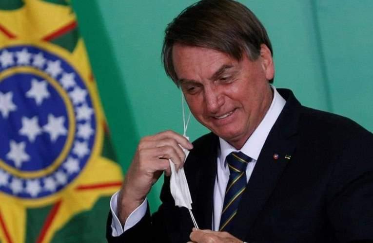 """Bolsonaro pretende vetar proyecto que crea """"certificado de inmunización"""" en Brasil"""