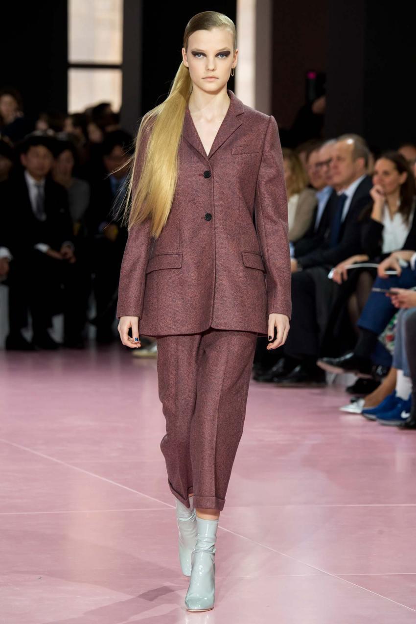 Christian Dior Fall 2015 Paris Fashion Show