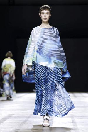 Issey Miyake Spring 2018 Paris Fashion Week Show