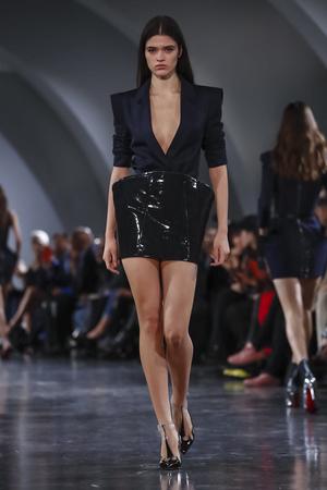 Mugler Spring 2018 Paris Fashion Week Show