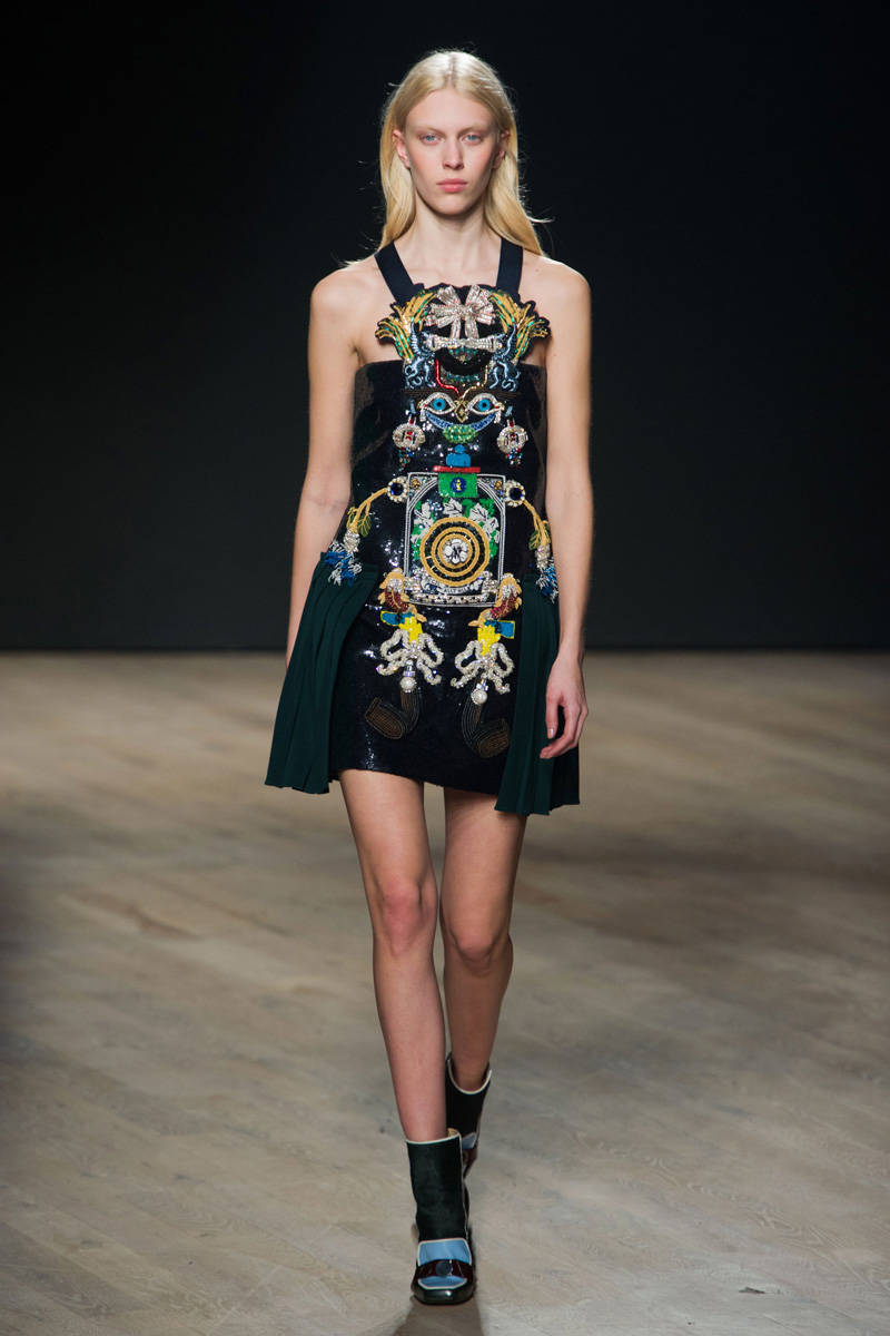 elle-mary-katrantzou-fall-2014-rtw-27-de-xln