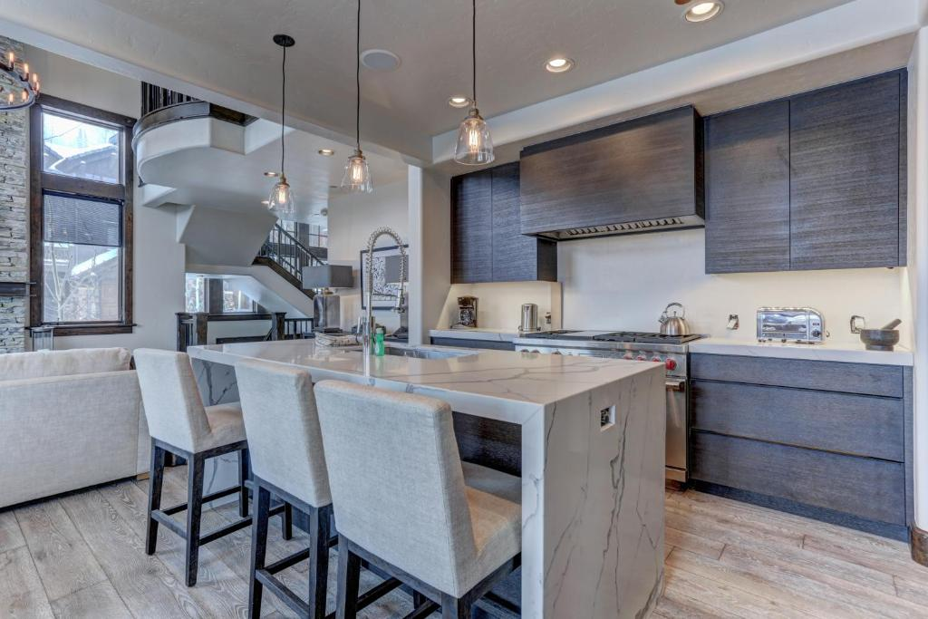 Vacation Home Deer Valley Ironwood Ski Estate #20 Home ... on Ironwood Kitchenette  id=18069