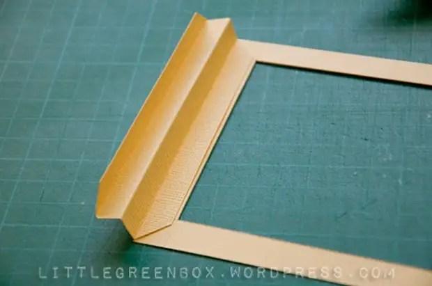 Chúng tôi dán zigzags vào khung từ hai bên