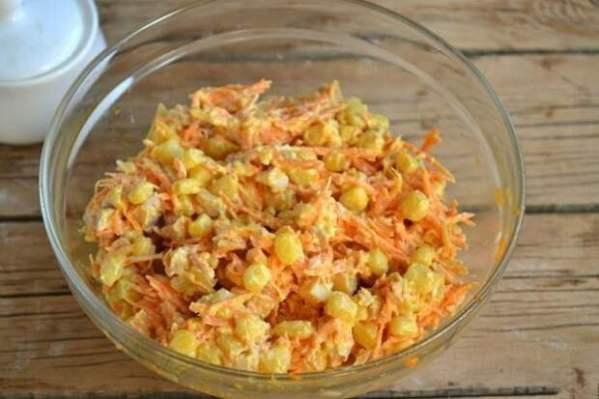 Салат с корейской морковкой и копченой курицей ...
