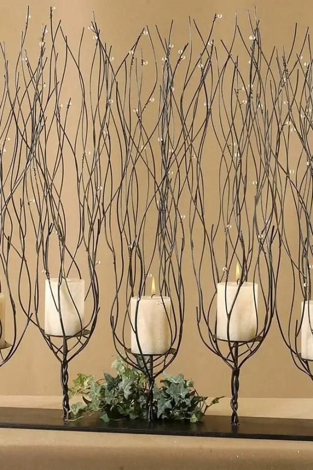 Un chandelier forcé incroyablement élégant et élégant qui apportera une note de magie à l'intérieur