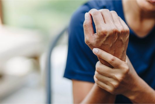 A Fort Worth, TX woman with arthritis in her wrist