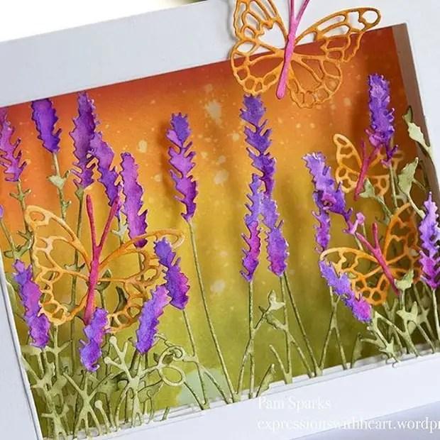 بطاقة مع الألوان الحجمي في الداخل