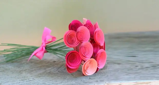 Papel Roses palumpon lamang