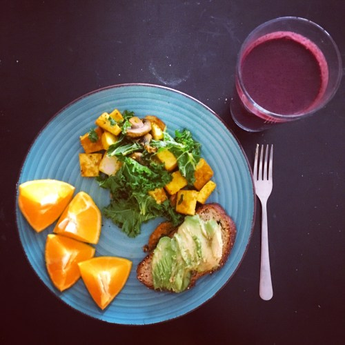 Cherry-Beet Recovery Smoothie and breakfast