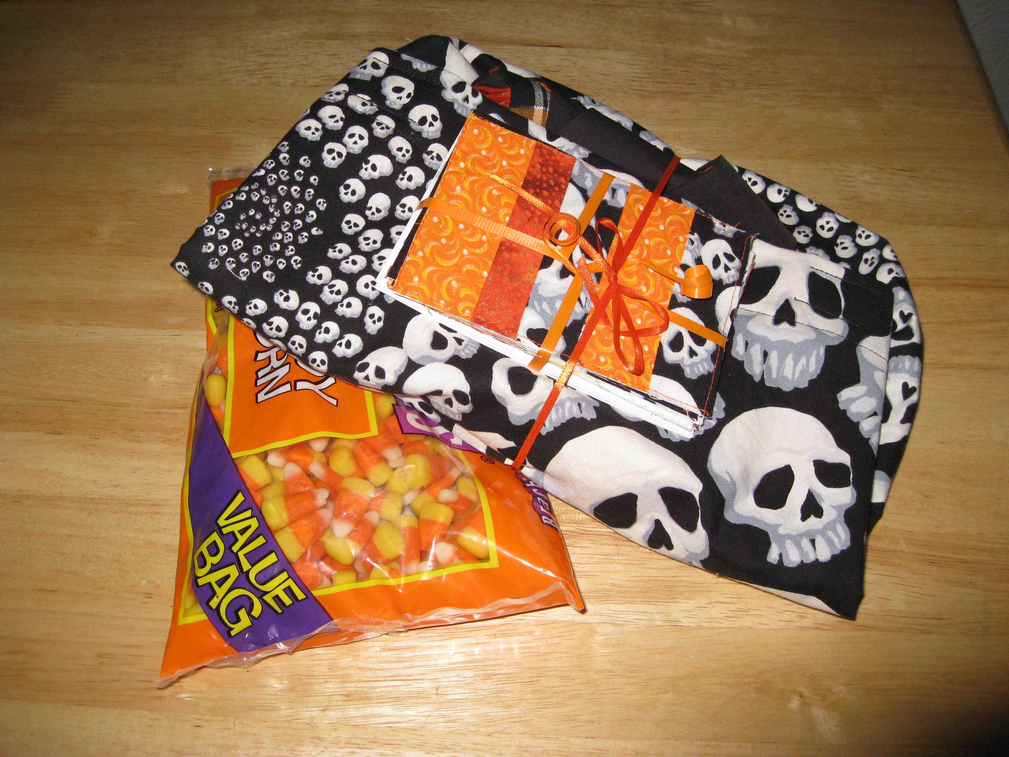 Halloween apron swap 09 package