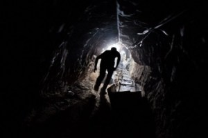 gaza-tunnel-worker-615-450x300