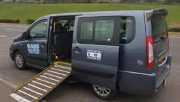wheelchair-access-taxi