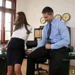 Image Patrão comeu a secretaria rabuda dentro do escritório da empresa