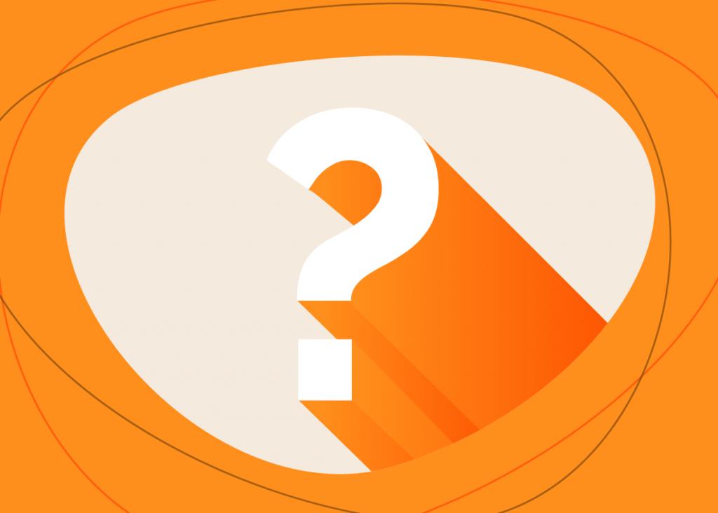 ponto de interrogação laranja representando as dúvidas deixadas pela falta de um plano de marketing digital pronto