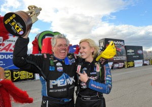 425-johnforce-sunday-lasvegas-celebration