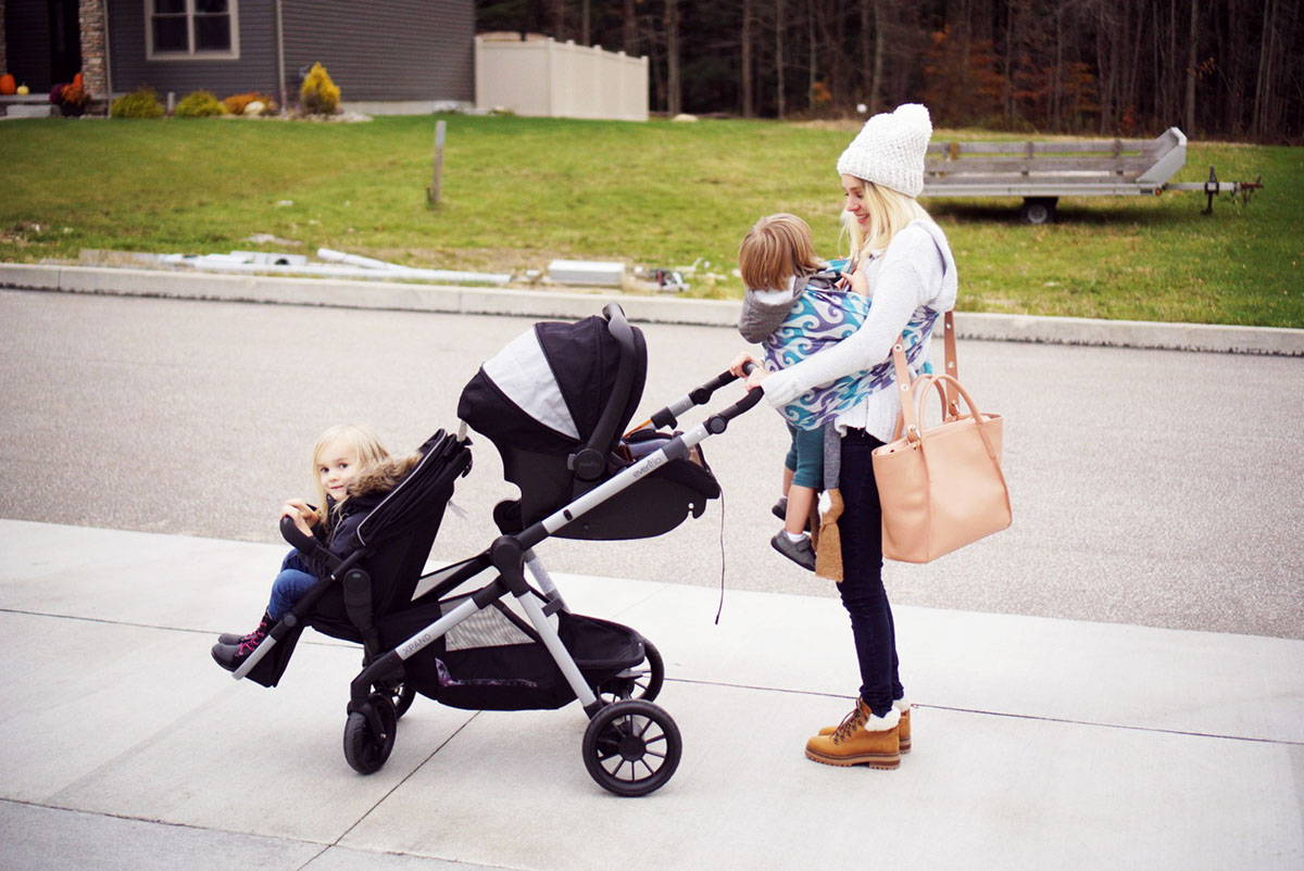 Top 7 Things to Consider Choosing A Double Stroller | The Mom Blog