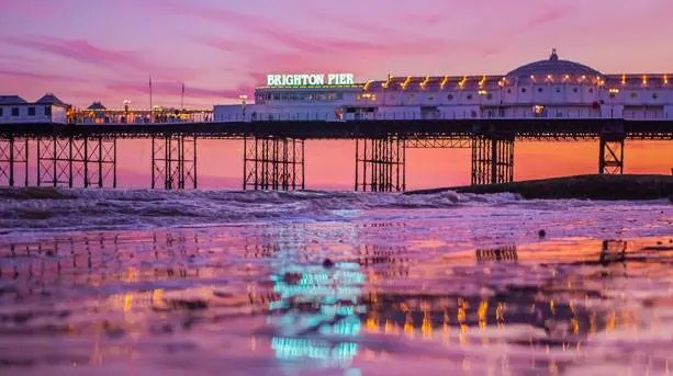 5 Awesome Places to Drink and Play in Brighton