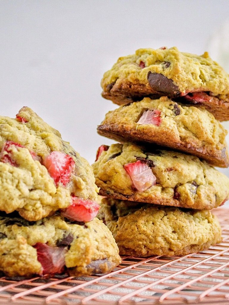 Reduced Sugar Strawberry Chocolate Chip Cookies